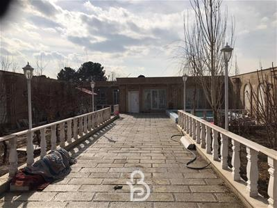 باغ ویلا 600 متری با 100 متر بنا بلوار امام حسین
